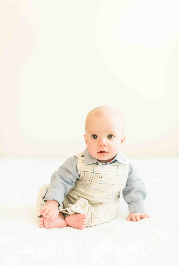 baby-sitting-up-charlotte-nc-photographer