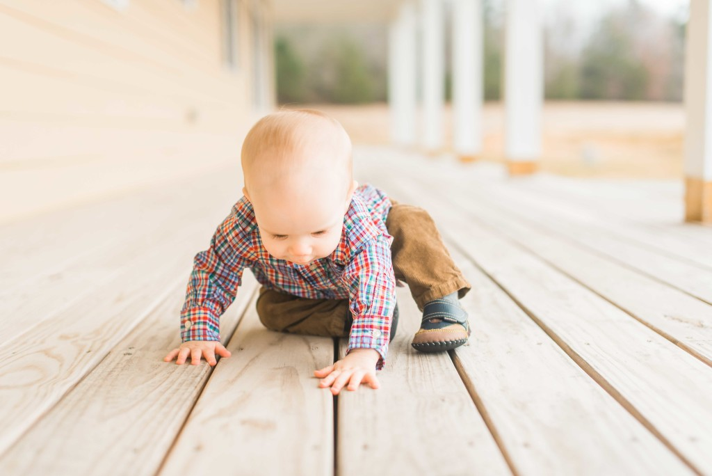 baby in plaid 9 10 month photographer charlotte nc